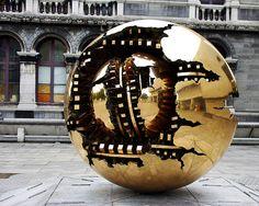 arnaldo pomodoro, sphere within sphere