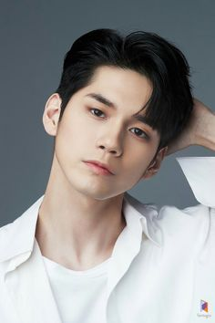 """ASK K-POP Ong Seong Woo has been cast as the lead in JTBC's upcoming Monday-Tuesday drama Moments"""" K Pop, Ong Seung Woo, Asian Men Hairstyle, Korean Haircut Men, Guy Hairstyles, Asian Haircut, Ha Sungwoon, Seong, Profile Photo"""