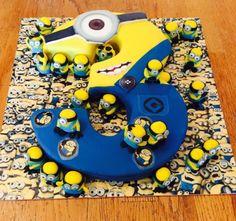 Minions cake - Cake by femmebrulee