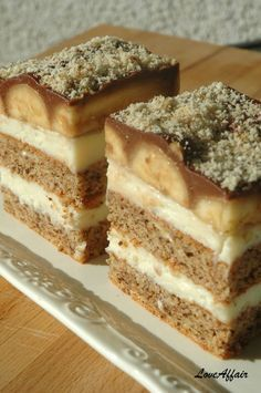 r divne,kremaste,ukusne. Albanian Recipes, Bosnian Recipes, Croatian Recipes, Baking Recipes, Cake Recipes, Dessert Recipes, Jednostavne Torte, Just Desserts, Delicious Desserts