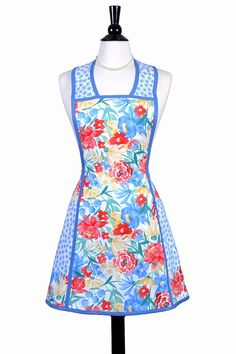 Vintage Women's Apron Large Pockets Red and Blue Floral
