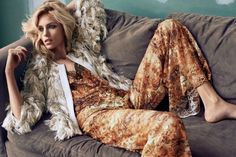 Anja Rubik by Hunter & Gatti for El País March 2016 5 Anja Rubik, Beauty Editorial, Editorial Fashion, Swedish Fashion, Mode Editorials, Fashion Editorials, Fringe Jacket, Blonde Beauty, Daily Fashion