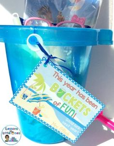 "End of the school year student gift idea - sand bucket filled with trinkets with the tag ""This Year has been Buckets of fun!"" 20+ student gift ideas for the end of the year #endoftheschoolyear #endoftheyear #studentgifts #graduation #elementarygraduation"