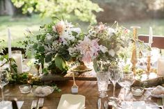 Late summer table designed by Love 'n Fresh. These same elements would be in season for your wedding and we could design into dark wooden boxes instead of gold compotes as pictured.