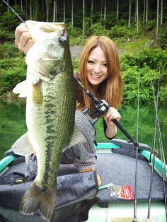 Nice Japanese megabass catch. http://www.pinterest.com/shorrobi/extreme-fishing-adventures/