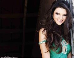 Kendall Jenner. So gorgeous. Lovin' her hair + makeup in Sherri Hill's prom dresses ad.