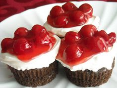 Quick and Easy Black Forest Cherry Cupcakes from SixSistersStuff.com