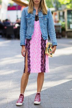 20 Outfits That Prove You Can Wear Converse with Anything - Unusual Color…