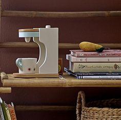 Wooden Toy Coffee Machine - Beaumonde