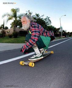 No dejas de patinar porque te haces viejo, te haces viejo porque dejas de patinar.