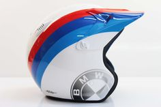 hand painting_fatto a mano_in italia Bmw Helmet, Helmet Design, Graphic Art, Home Appliances, Painting, Italia, House Appliances, Painting Art, Appliances