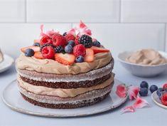 Helppo mutakakkutäytekakku | Valio Atkins Diet, Tiramisu, Cheesecake, Baking, Eat, Ethnic Recipes, Desserts, Food, Summer