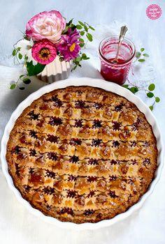 Linzer Torte – gefüllt mit Himbeer-Pelargonien-Gelee - sugar&rose Linzer Torte, Regional, Quiche, Pie, Breakfast, Desserts, Food, Red Currants, Raspberries