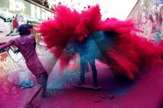 Photoshop, Holi Image (http://www.99hdwallpaper.com/holi/wallpapers/holi-photos.jpg)