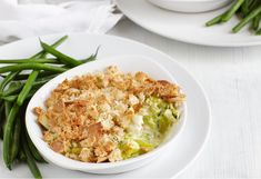 This is a twist to the classical chicken and leek pie, a much easier way.