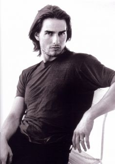 Tom Cruise pictures and photos Top Haircuts For Men, Trending Hairstyles For Men, Older Mens Hairstyles, Bob Hairstyles For Thick, Man Haircuts, Mark Wahlberg, Skinhead Haircut, Tom Cruise Young, Curly Faux Locs