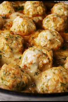 Onion Chicken Meatballs These Chicken Meatballs Have Everything You Love About French Onion Soup DelishThese Chicken Meatballs Have Everything You Love About French Onion Soup Delish Chicken Meatball Recipes, Ground Chicken Recipes, Minced Chicken Recipes, Chicken Appetizers, Soup Appetizers, Ground Beef Balls Recipe, Recipes With Chicken Meatballs, Meatball Meals, Meatball Dish