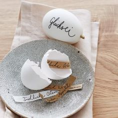 Ostereier mit Ostergruß, Osterdeko Easter eggs with Easter greeting, Easter decoration Happy Easter, Easter Bunny, Easter Eggs, Spring Decoration, Decoration Table, Fireplace Decorations, Decoration Crafts, Easter Presents, Easter Gift