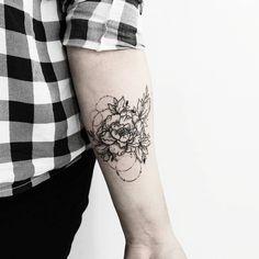 Buenos días ! ✨🌿 Para tatuajes y diseños botánicos y más, manden un inbox por…