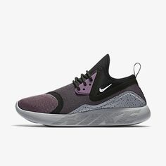 Inside access to the Women's Nike LunarCharge Essential 'Violet Dust'. Adidas Shoes Women, Nike Shoes, Nike Women, Sneakers Nike, Women's Shoes, Nike Lunarcharge, Latest Sneakers, Popular Shoes, Shoes 2017
