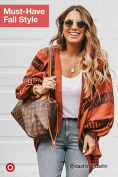 Crisp fall weather calls for accessorizing outfits with extra layers like stylish wraps scarves. Baddie Outfits For School, Casual Outfits, Cute Outfits, Fashion Outfits, Fall Winter Outfits, Autumn Winter Fashion, Winter Style, Fall Fashion, Baddie Make-up