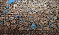 Iranian carpet/ needlefelting Heleen Klopper Visible Mending, Textured Carpet, Lost Art, Living Room Carpet, Iranian, Oriental Rug, Art Pictures, Needle Felting, Beautiful Pictures