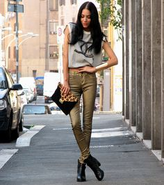 I am getting G(old)! (by Konstantina Tzagaraki) http://lookbook.nu/look/2488613-I-am-getting-G-old
