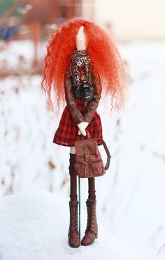 Полосатая Коробка: Рыжая и кудрявая бохо-кукла «Клетка»