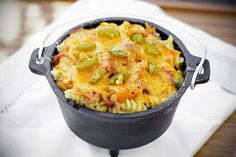Impress your friends with this twist on mac and cheese. It& got pulled pork and jalapenos! Jalapeno Mac And Cheese, Macaroni And Cheese, Mac Cheese, Pork Recipes, Cooking Recipes, Chef Recipes, Dinner Recipes, Dutch Oven Potatoes