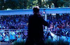 Netinho em 2012 no palco em Geneve, Suíça, em seu show no Parc des Bestion.