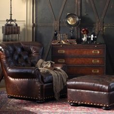 just look at all of this rich brown leather! Swoon! Manly room