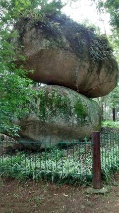 Pedra montada em guararema