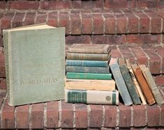 Where to rent vintage books for a wedding