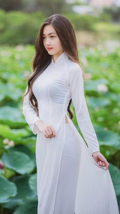 Vietnamese clothing, vietnamese dress, beautiful asian girls, traditional d Vietnamese Traditional Dress, Vietnamese Dress, Traditional Dresses, Vietnamese Clothing, Vietnam Girl, Ao Dai Vietnam, Beautiful Asian Women, Sexy Asian Girls, Asian Fashion