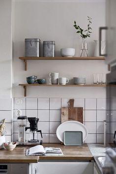 Minimalist Home Interior Kitchen decor - open wooden shelving and simple white tiled backsplash - - Apartment Kitchen, Home Decor Kitchen, Home Kitchens, Room Kitchen, Diy Kitchen, Kitchen Design Open, Interior Design Kitchen, Interior Decorating, Home Decor Items