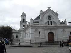 The Church of the Shrine  — commonly referred to as the Old Cathedral of Cuenca — was the main place of Spanish worship during the time of Spanish colonization in Cuenca, Ecuador. It functions today as the Museum for Religious Art and is located at the Calderon Park, opposite the New Cathedral. Architectural Description -Type: Basilica  -Style: Baroque -Groundbreaking: 1567 Construction began ten years later, using stones for the foundation and walls from the ruins of Tomebamba. Photo: Ekem