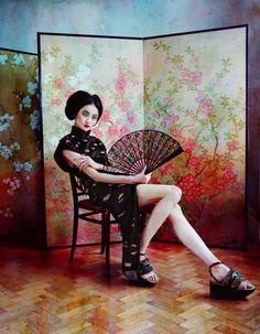 Magazine: How to Spend It Issue: July 2011 Editorial: The Empress' New Clothes Model: Liu Xu Photographer: Sayaka Maruyama Styling: Damian Foxe Female Dragon, Dragon Lady, Avant Garde Artists, Chinoiserie Wallpaper, Oriental Fashion, Oriental Style, Japanese Hairstyle, Shooting Photo, The Empress