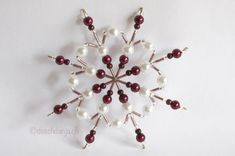 Selbstgemachte Weihnachtssterne aus Perlen