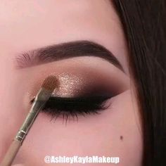 May your day be as flawless as her eye makeup looks ? May your day be as flawless as her eye makeup looks ? Smoke Eye Makeup, Eye Makeup Steps, Eyebrow Makeup, Makeup Art, Hair Makeup, Makeup Eyeshadow, Makeup Style, Eyeshadow Makeup Tutorial, Gold Eyeshadow Looks