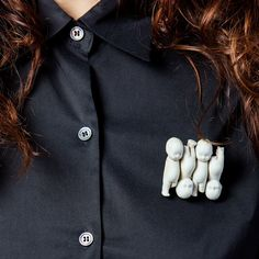 #Feeas. Antique porcelain brooches by REMEDIOS VINCENT   #thevintees #accesories