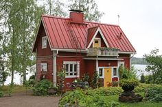 Small Tiny House, House By The Sea, Victorian Cottage, Swedish Style, Farm Stay, Cottage Homes, Picture Design, Exterior Paint, Farmhouse Style