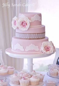 Super Chic Wedding Cake Inspiration from Jilly Sarah Cakes - MODwedding
