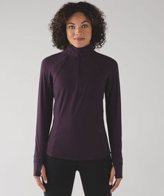 This half zip was designed to  provide warmth without the  weight to keep you toasty on  outdoor runs.