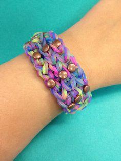 A tie dye bracelet with studs! #bandaloom #rubberbandbracelets