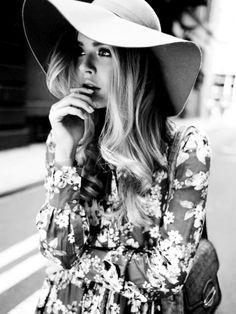 Flower prints and a floppy hat and your set.