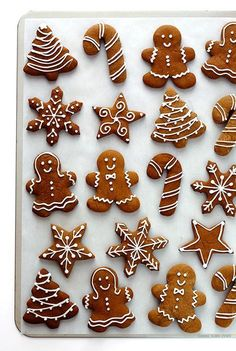 Gingerbread Cookies -- my all-time favorite recipe for these classic Christmas c. - Gingerbread Cookies — my all-time favorite recipe for these classic Christmas cookies! Christmas Sweets, Christmas Gingerbread, Christmas Cooking, Noel Christmas, Christmas Goodies, Gingerbread Recipes, Cheap Christmas, Icing For Gingerbread Cookies, Christmas Decorations