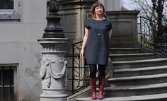 Inari Tee Dress (Named Patterns) & organic Chambray from Les Trouvailles d'Amandine. More inspiration and nice, organic fabrics Named Clothing, Couture, Tee Dress, Chambray, Tees, Shirts, Sewing Projects, Cold Shoulder Dress, Organic