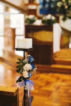 Atrévete incorporando el azul en tu matrimonio!!!!! Atriles para el pasillo de la iglesia. Diseño exclusivo Flores y Piedras. Cotiza en www.floresypiedras.cl