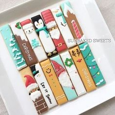#試作試作試作 . Cookie Bars クリスマスVer. ボツ作品含む。。 . 1セット4本入りだから、 ここから2本減らす訳ですが。 . (´-`).。oO . . くまだな。。 . #sunbakedsweets #decoratedcookies #sunbakedsweets_online #holidaytreats #christmas #cookiebars