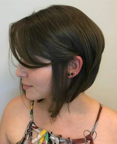 Latest Bob Haircuts For 2018 , Here are the latest bob style short haircuts have several innovations which elevate bob hairstyles to a more higher level and trust us, you will be ro. Long Bob Haircut With Bangs, Pixie Bob Haircut, Haircuts With Bangs, Bob Style Haircuts, Stacked Bob Hairstyles, Short Bob Haircuts, Trendy Haircuts, Haircut Styles, Short Hair Cuts